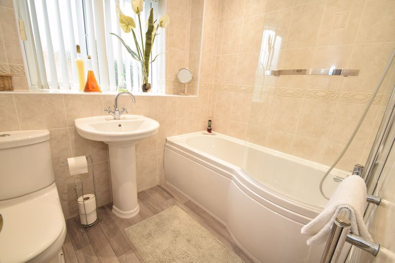 3 bed house to rent in Jenny Close  - Property Image 16