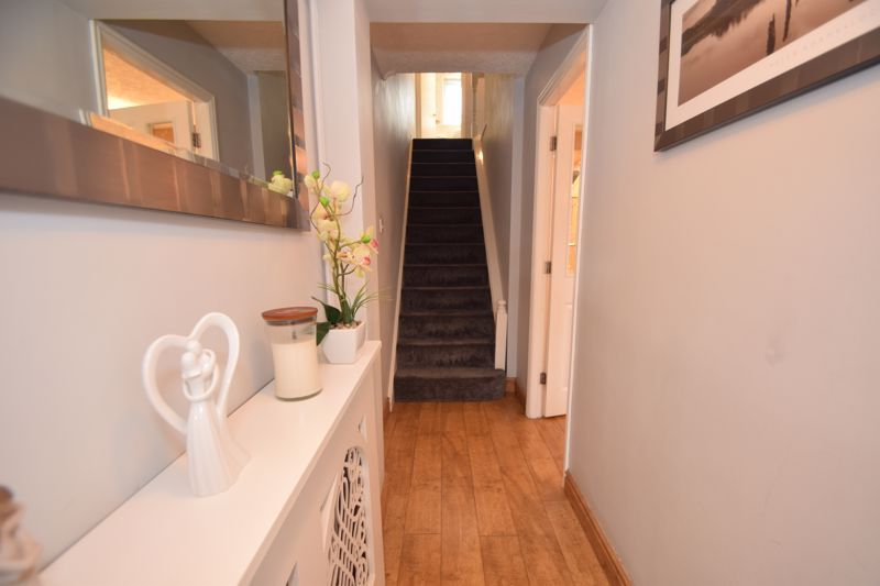 3 bed house to rent in Jenny Close  - Property Image 3