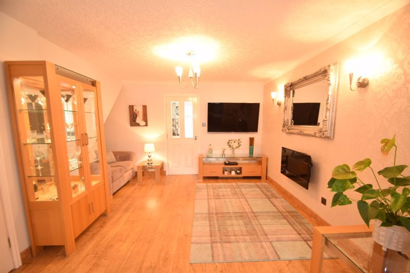 3 bed house to rent in Jenny Close  - Property Image 4