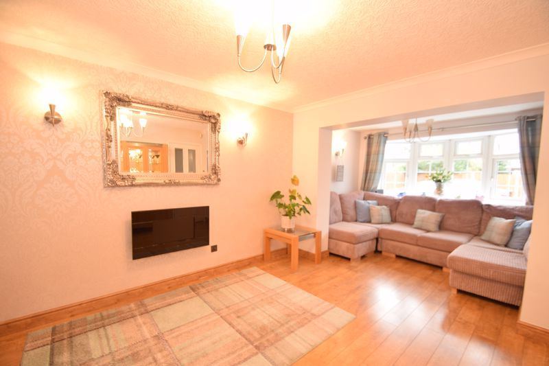 3 bed house to rent in Jenny Close 6