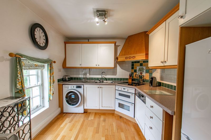 3 bed flat for sale in Icknield Street 3