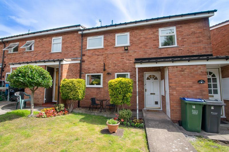 1 bed flat for sale in New Pool Road 1