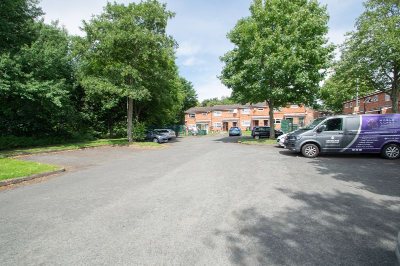 1 bed flat for sale in New Pool Road 12