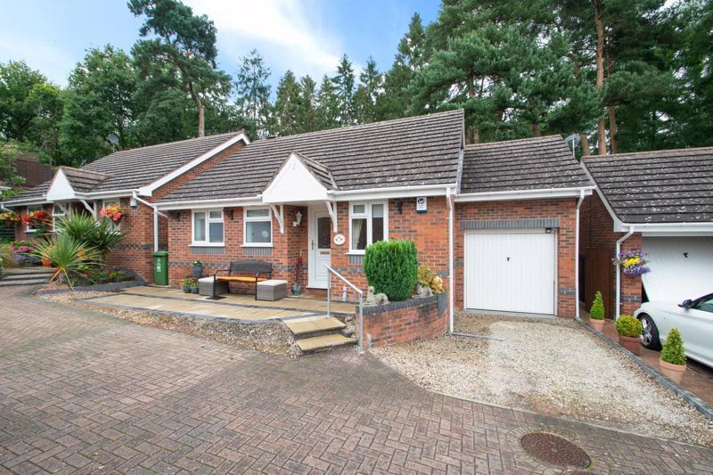 2 bed bungalow for sale in Lords Lane - Property Image 1