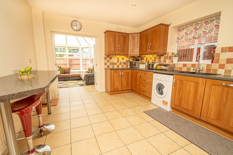 4 bed house for sale in Hagley Road 6