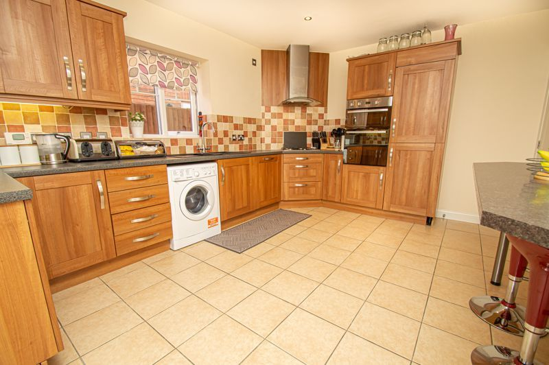 4 bed house for sale in Hagley Road 7