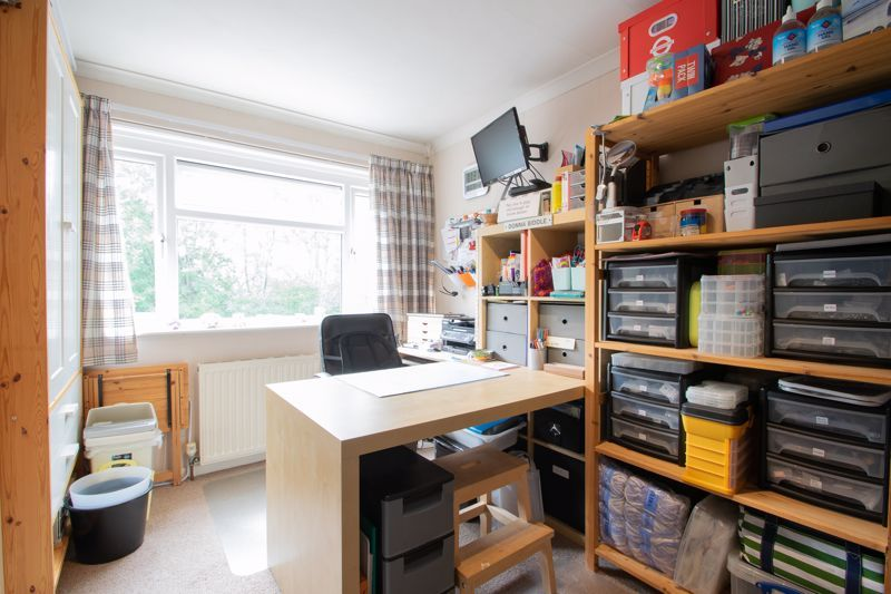 4 bed house for sale in Broadway Avenue  - Property Image 11
