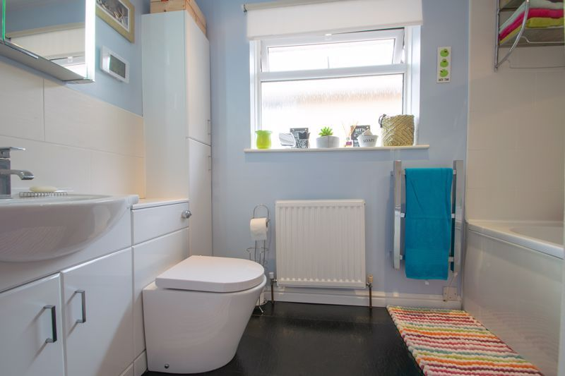 4 bed house for sale in Broadway Avenue  - Property Image 12