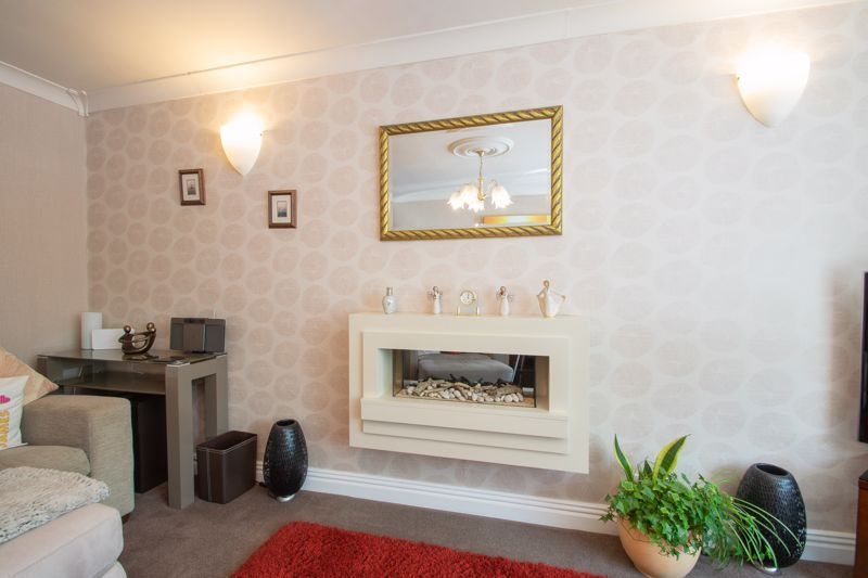 4 bed house for sale in Broadway Avenue  - Property Image 14