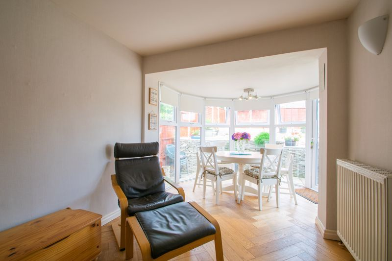 4 bed house for sale in Broadway Avenue 16