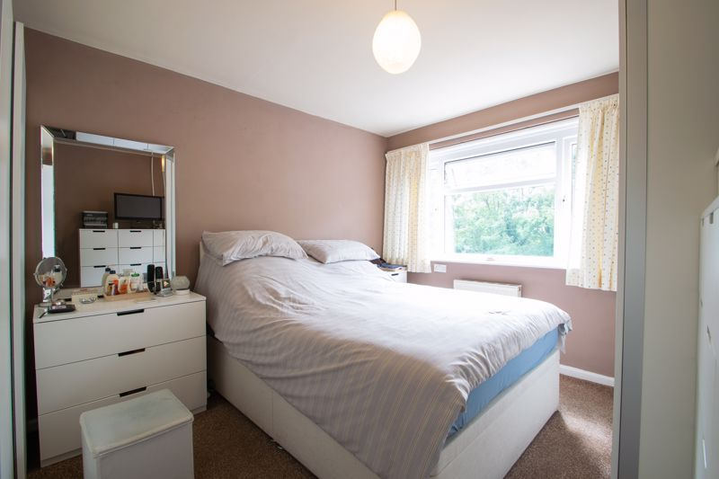 4 bed house for sale in Broadway Avenue  - Property Image 8
