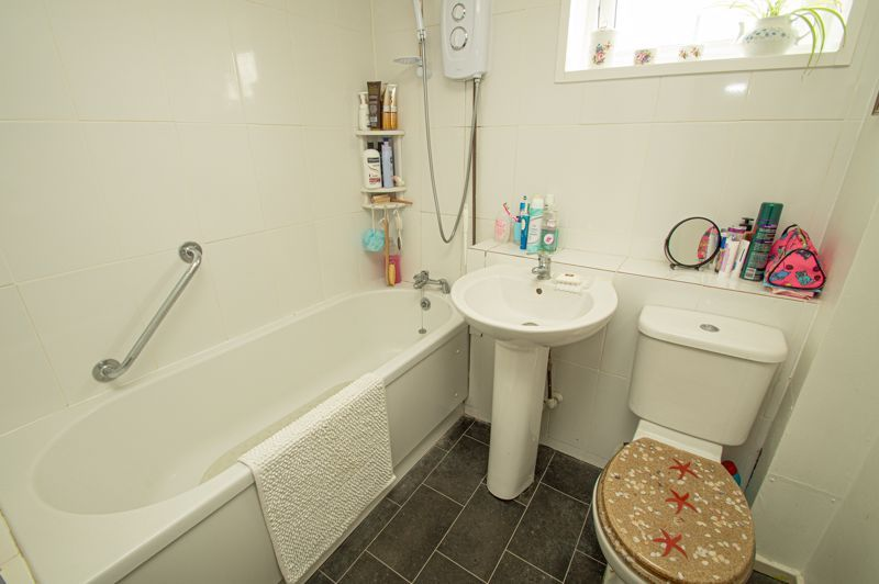 3 bed house for sale in Bushley Close 11