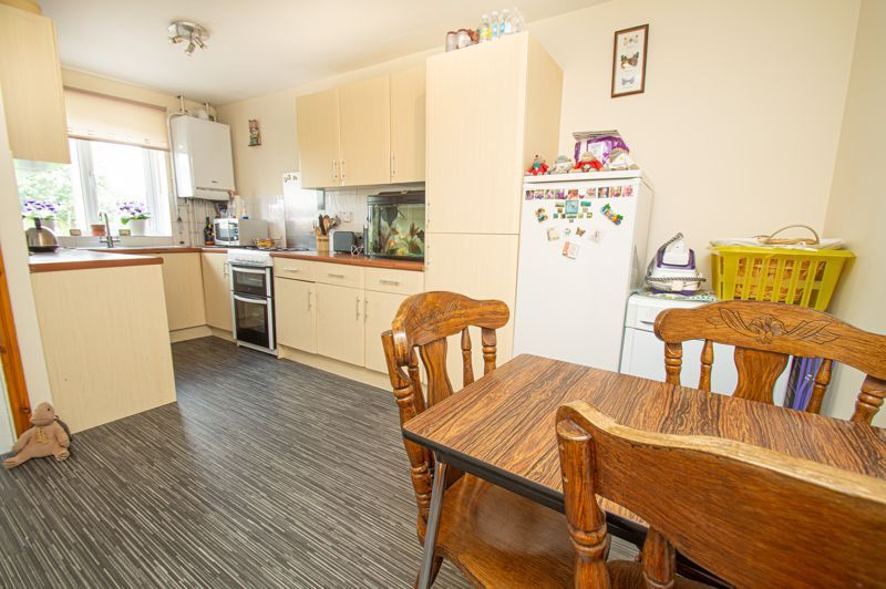 3 bed house for sale in Bushley Close 4