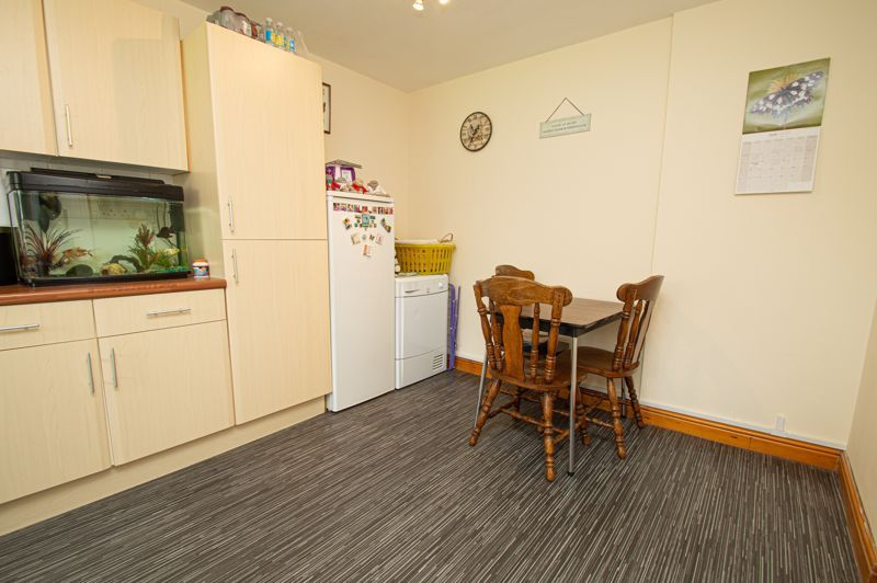 3 bed house for sale in Bushley Close  - Property Image 5