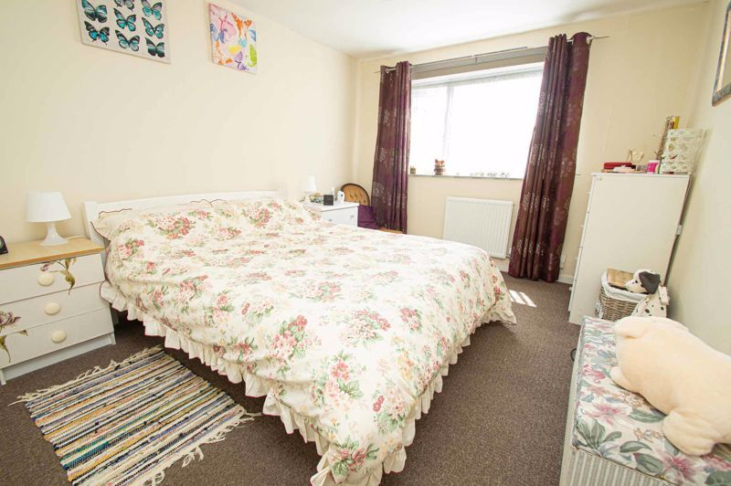 3 bed house for sale in Bushley Close 7