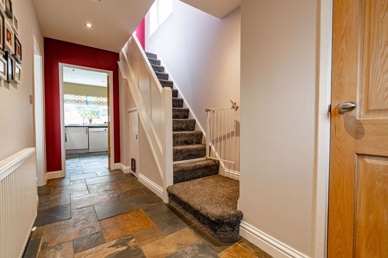 3 bed house for sale in Green Lane 2