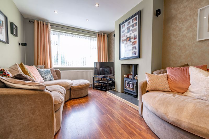 3 bed house for sale in Green Lane 3
