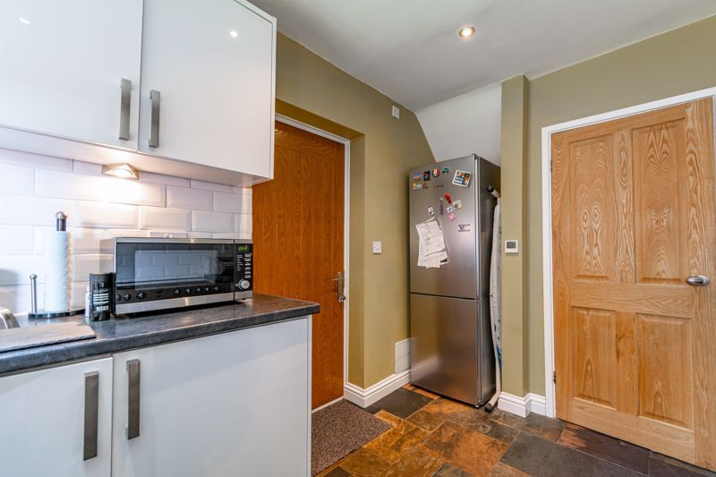 3 bed house for sale in Green Lane 6