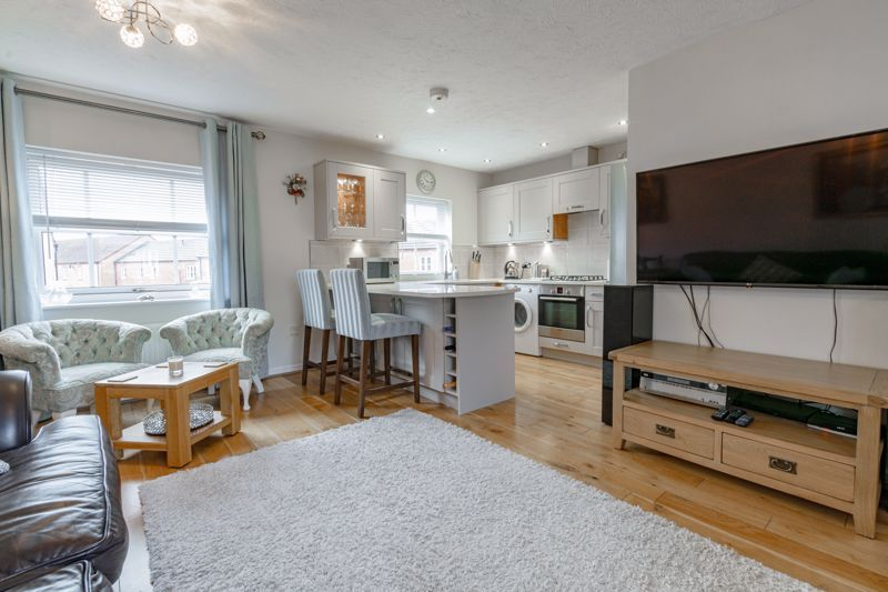 2 bed house for sale in Railway Walk 4