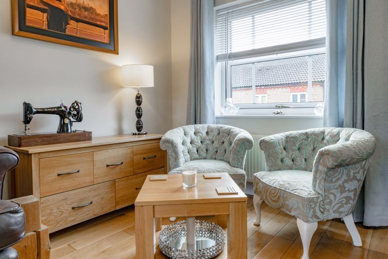 2 bed house for sale in Railway Walk 6