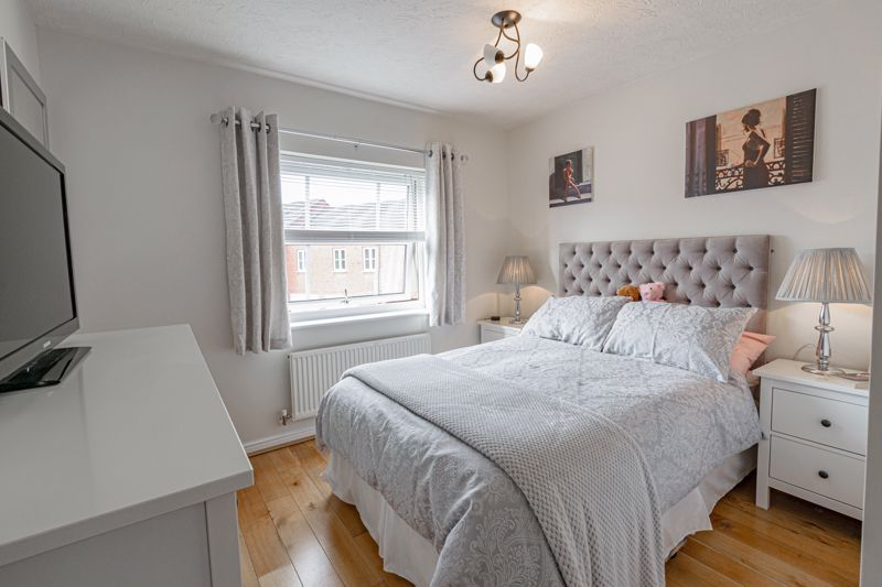 2 bed house for sale in Railway Walk  - Property Image 7