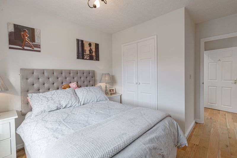 2 bed house for sale in Railway Walk 8