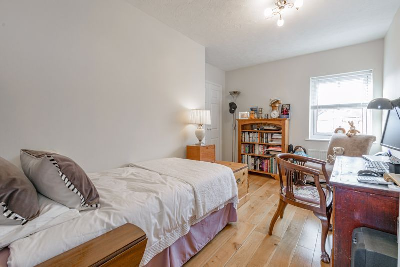 2 bed house for sale in Railway Walk 9