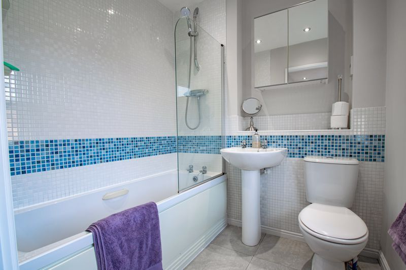 2 bed house for sale in Railway Walk 10