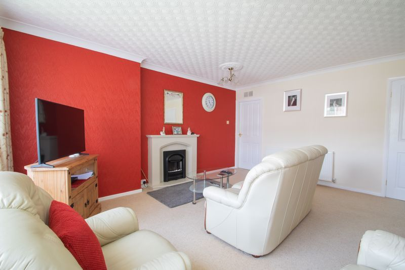 2 bed flat for sale in Abberton Close  - Property Image 3