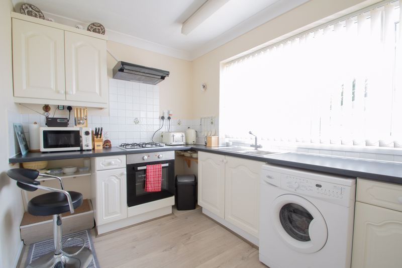 2 bed flat for sale in Abberton Close 5
