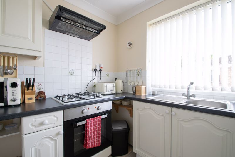 2 bed flat for sale in Abberton Close  - Property Image 7