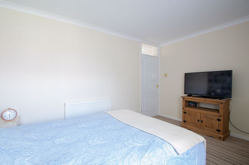 2 bed flat for sale in Abberton Close  - Property Image 9