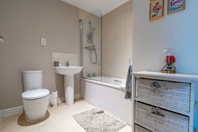 3 bed  for sale in Turntable Avenue  - Property Image 11