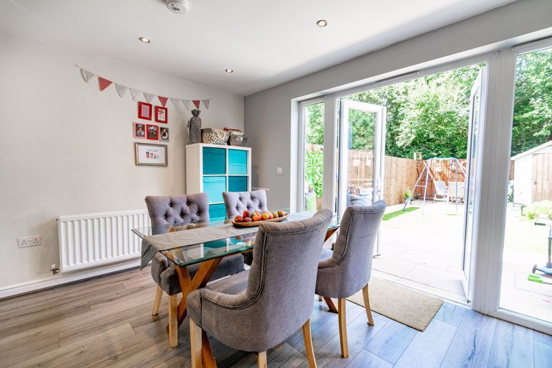 3 bed  for sale in Turntable Avenue  - Property Image 5