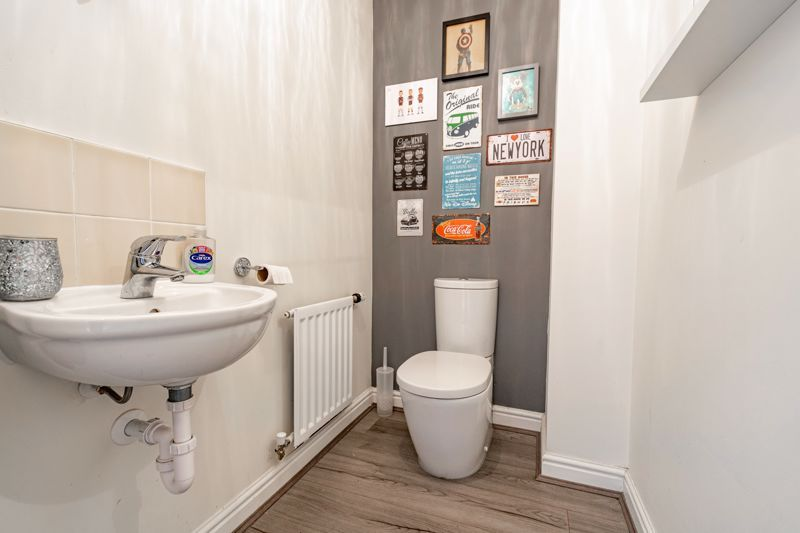 3 bed  for sale in Turntable Avenue  - Property Image 6