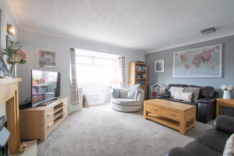 3 bed house for sale in Long Innage 2