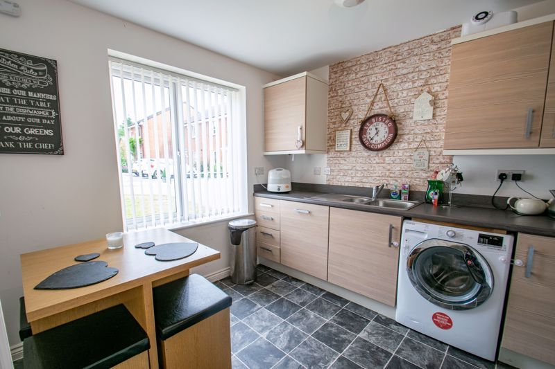 3 bed house for sale in Hadlow Close 4