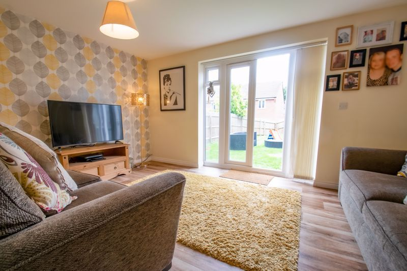 3 bed house for sale in Hadlow Close 5