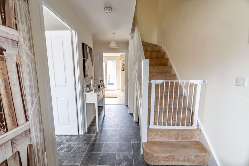 3 bed house for sale in Hadlow Close 6