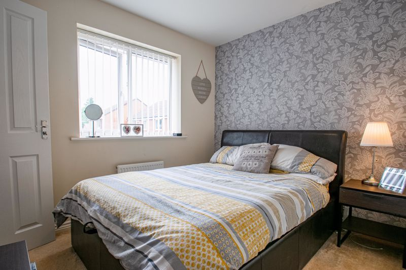 3 bed house for sale in Hadlow Close 8