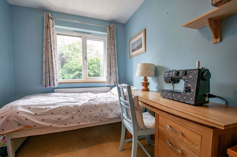 5 bed house for sale in Longfellow Close 11