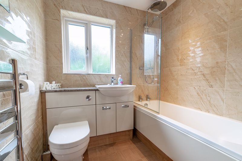 5 bed house for sale in Longfellow Close 12