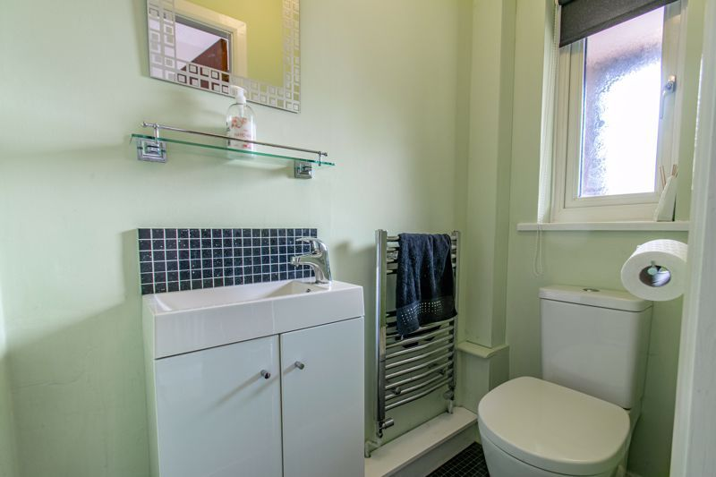 5 bed house for sale in Longfellow Close 15