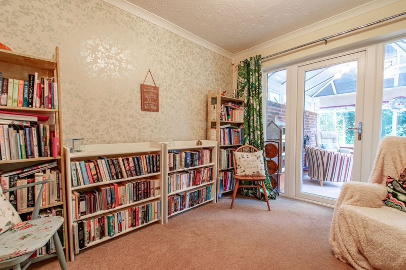5 bed house for sale in Longfellow Close 5