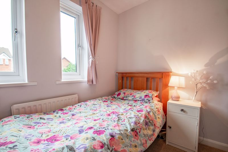 5 bed house for sale in Longfellow Close 10