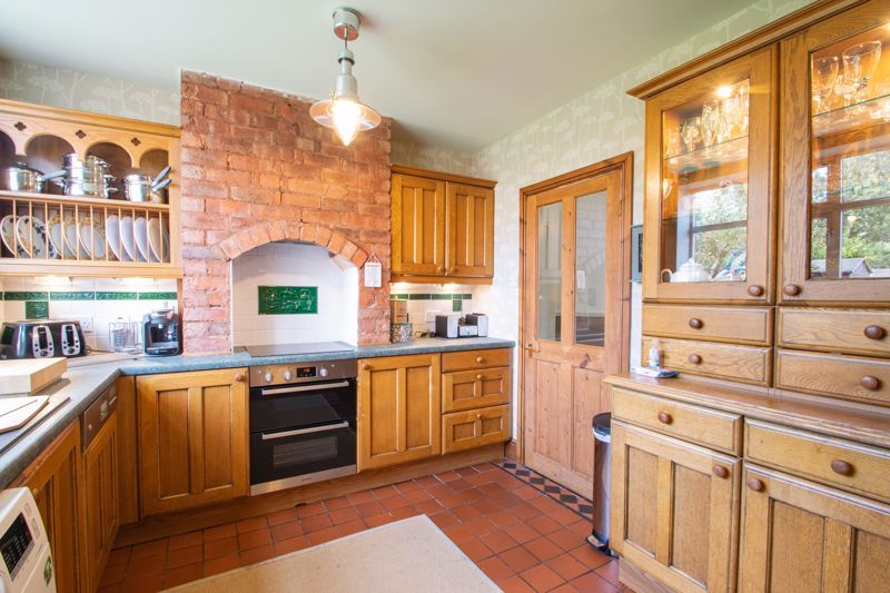 3 bed house for sale in High Haden Road 17