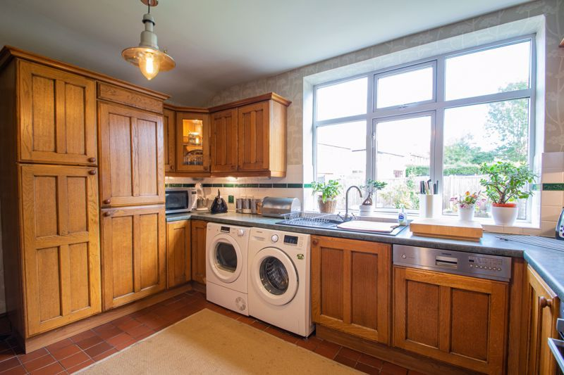 3 bed house for sale in High Haden Road 7