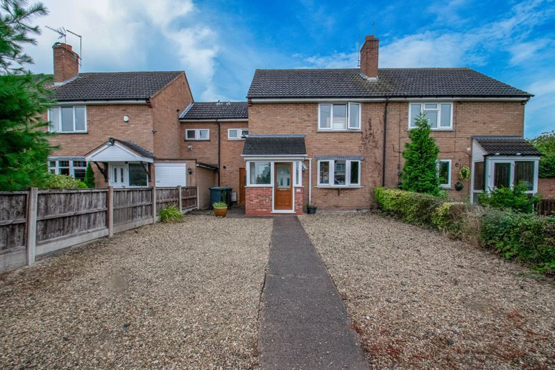 3 bed house for sale in Toms Town Lane - Property Image 1