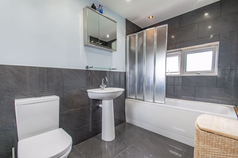 3 bed house for sale in Toms Town Lane  - Property Image 9