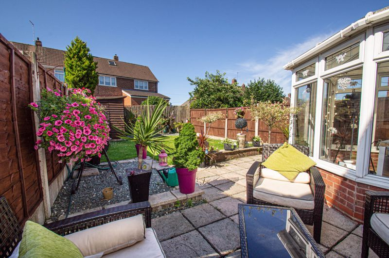 4 bed house for sale in Swan Crescent  - Property Image 14